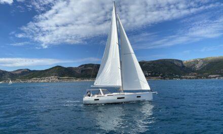 Oceanis Yacht 54 Cruiser ze sportowym zacięciem