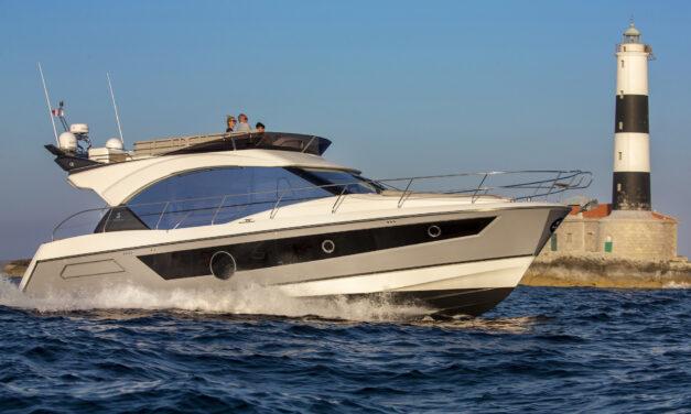 Monte Carlo 52 – komfort i elegancja
